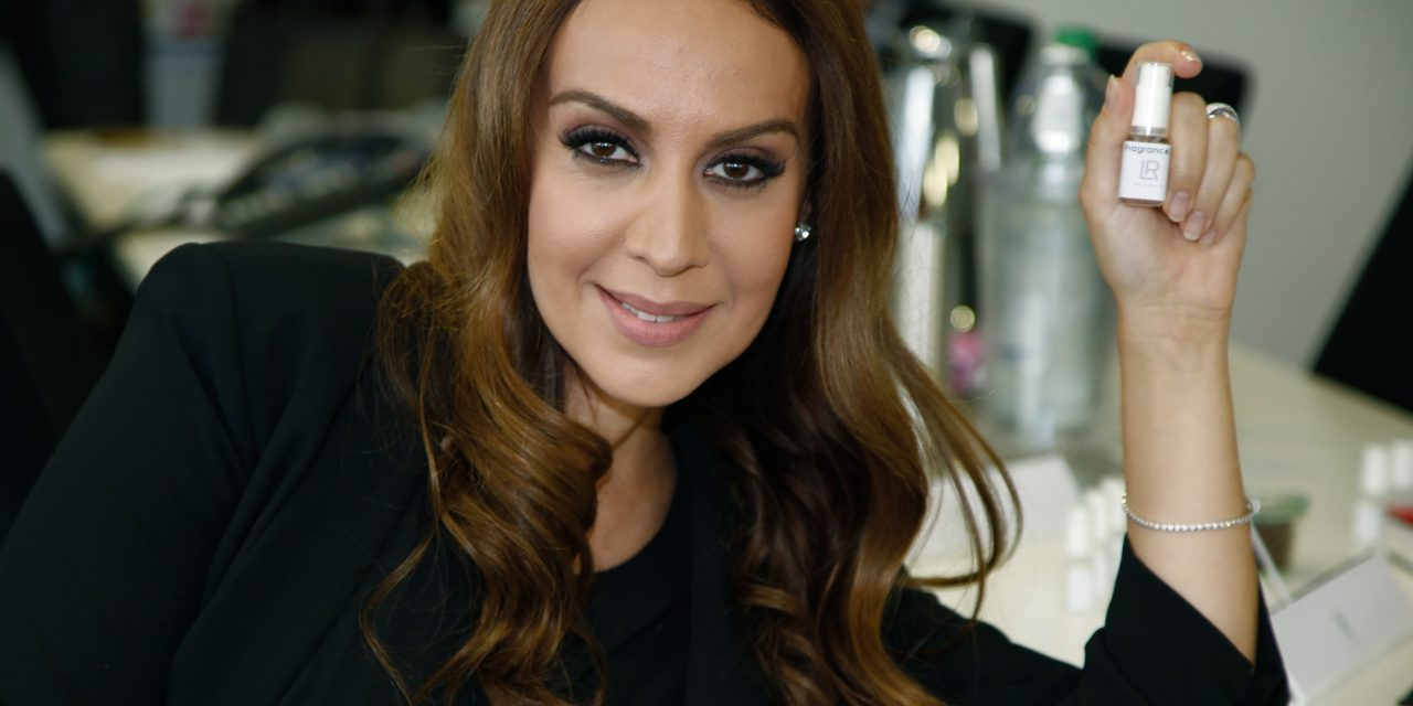 Mónica Naranjo se mete a perfumista