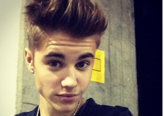 Justin Bieber se lía a puñetazos
