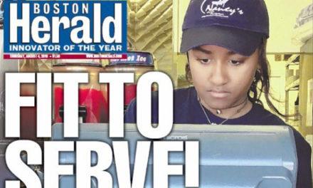 La benjamina de los Obama trabaja como camarera