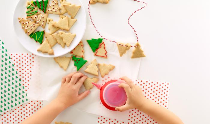 Hacer divertidas galletas será su mejor regalo