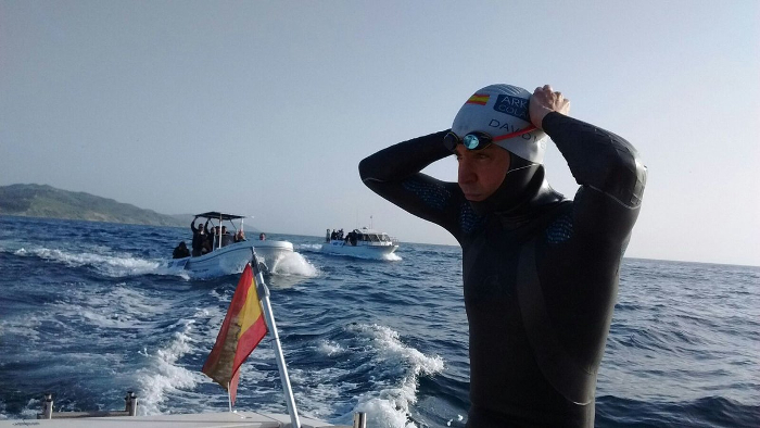 David Meca cruza a nado con éxito el estrecho de Gibraltar por tercera vez