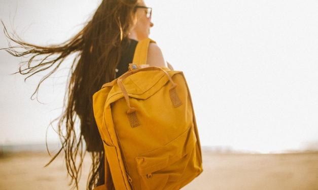 Los 5 imprescindibles de belleza que no pueden faltar en tu bolsa de viaje