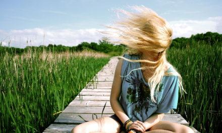 Soluciones para reparar un cabello quemado y sin brillo tras el verano