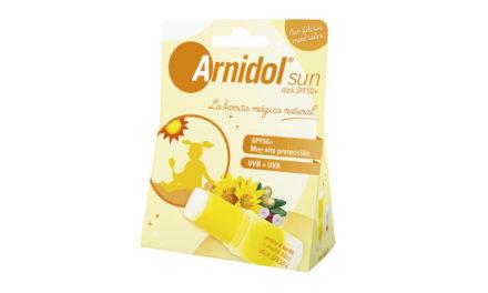 La barrita mágica que protege su piel del sol