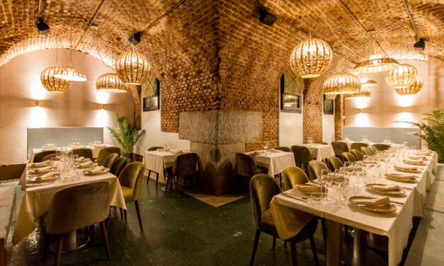 Restaurante Arrabal, en plena plaza Mayor, reabre sus puertas